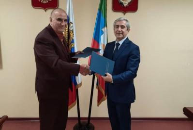 ملاقات رییس اتاق بازرگانی گیلان با رییس اتاق بازرگانی داغستان در خصوص حل مشکلات مربوط به حمل و نقل کالا